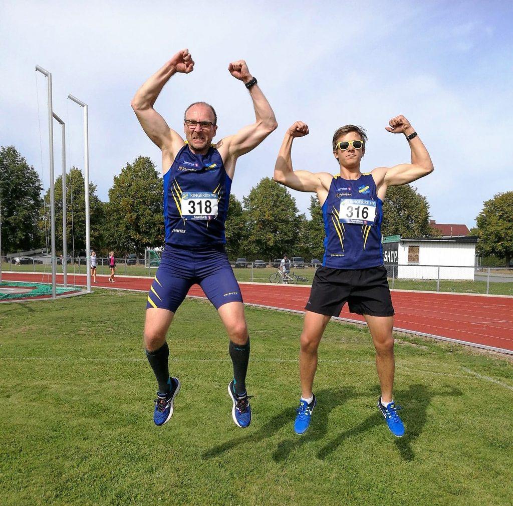 Nickolass og Martin hopper