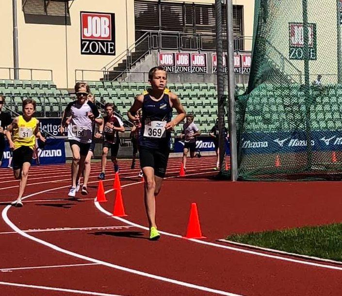 Teodor Hansen vant 600 m på Tjalvelekene i G13 klassen