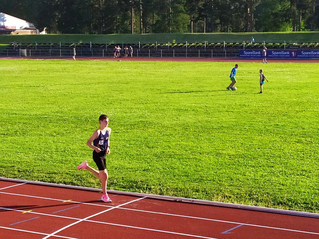 Mads Orø Olsen løp 3000 m på 9.02