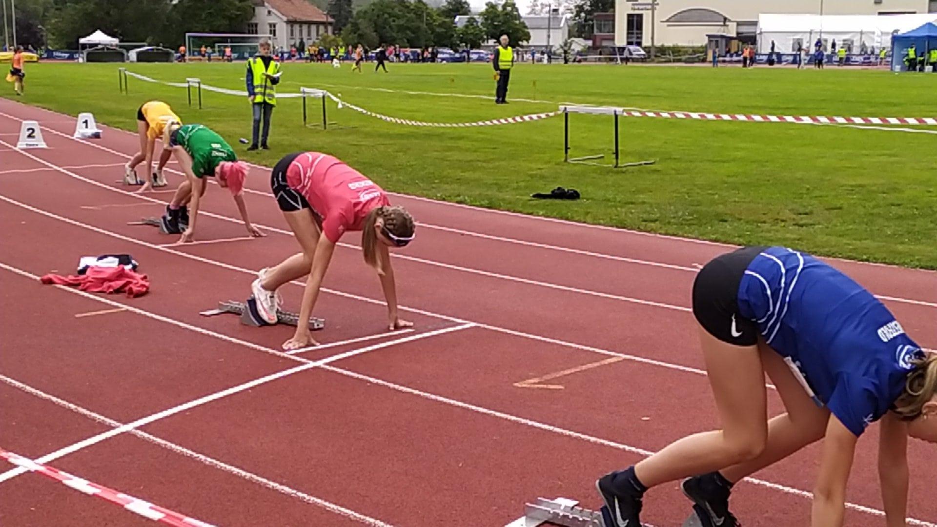Anna Birgitte på 200 m hekk start