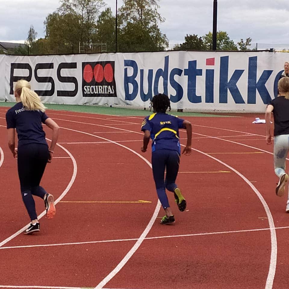 Yulieth løp også til pers på 600 m.
